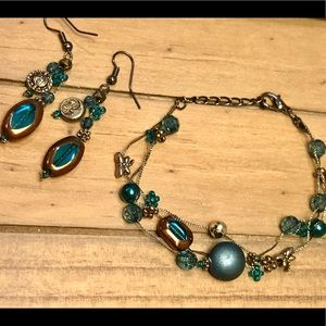 Jewelry - Beautiful teal beaded bracelet and earring set